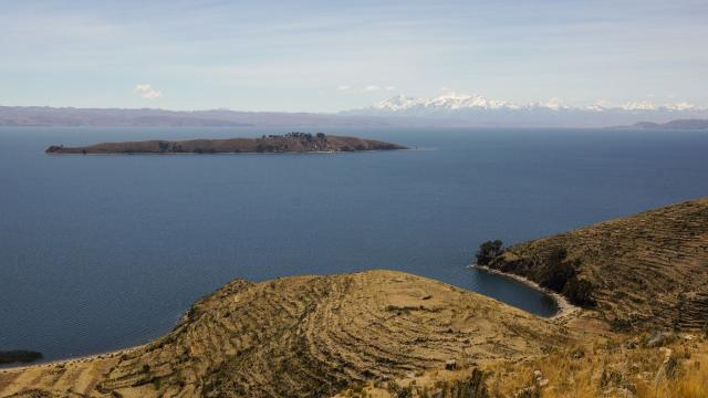 looking out to Isla de la Luna and the Illampu Massif