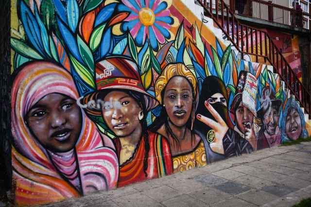 La Paz street art - a world of women