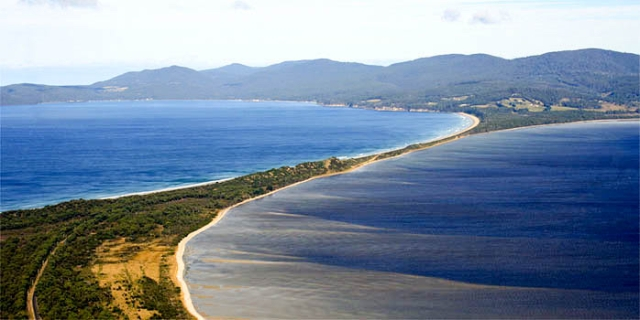 Bruny_Island-The_Neck