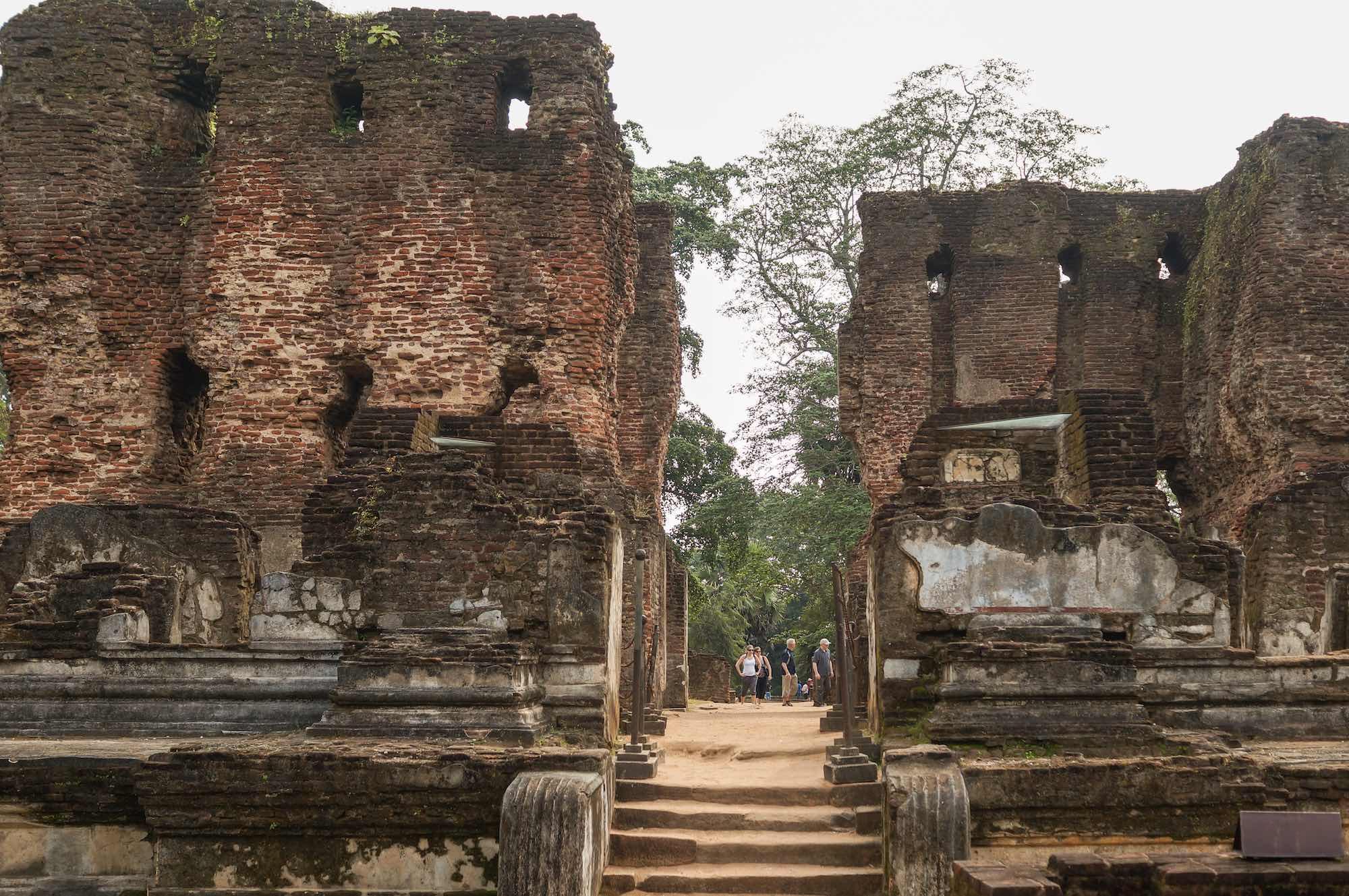 A Visit To The Ruins Of Sri Lanka's Ancient Polonnaruwa ...