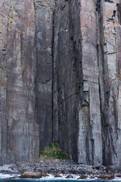 short section of Bruny Island's vertical cliff face