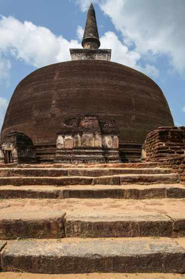 The Rankot Vihara - Sri Lanka's 4th largest