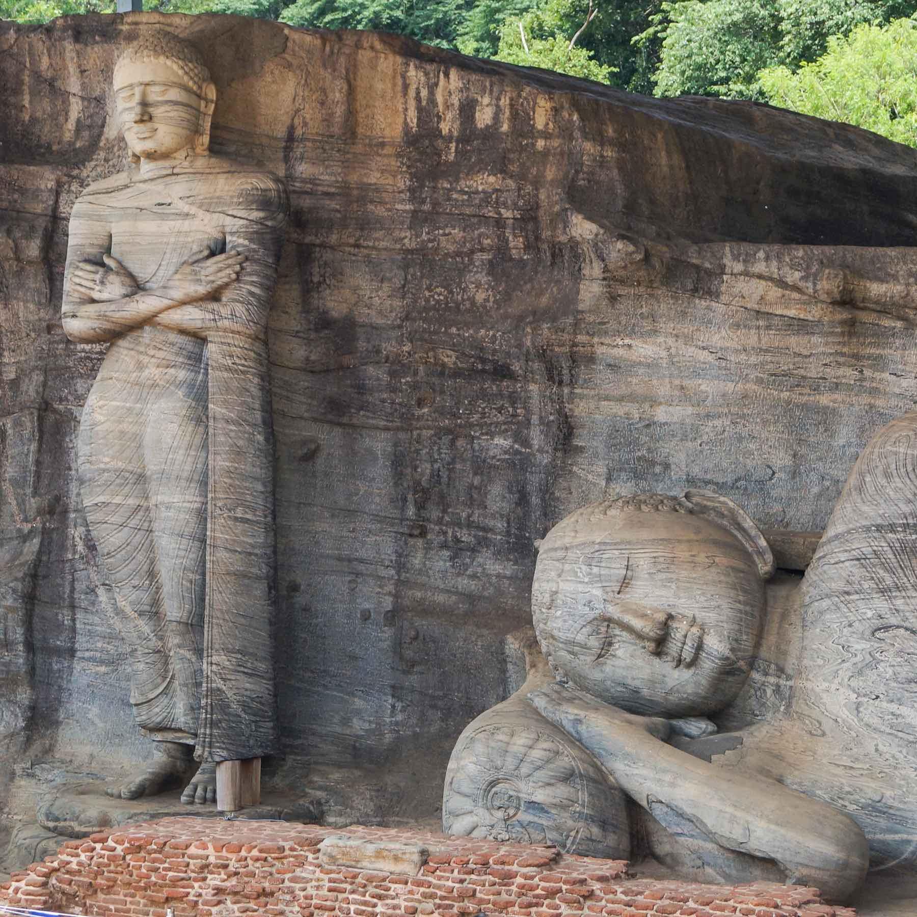 Gal Viharau0027s standing and reclining Buddha sculptures & The Aukana Buddha: Sri Lankau0027s Colossal Standing Rock Statue ... islam-shia.org