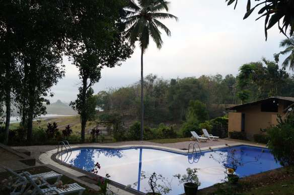 Oruthota Chalets swimming pool with Victoria Resevoir in the distance