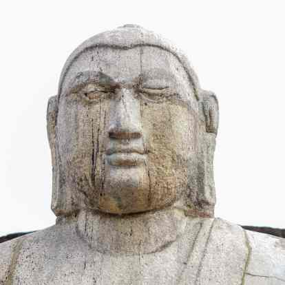 the head of one of the Vatadage's seated Buddhas