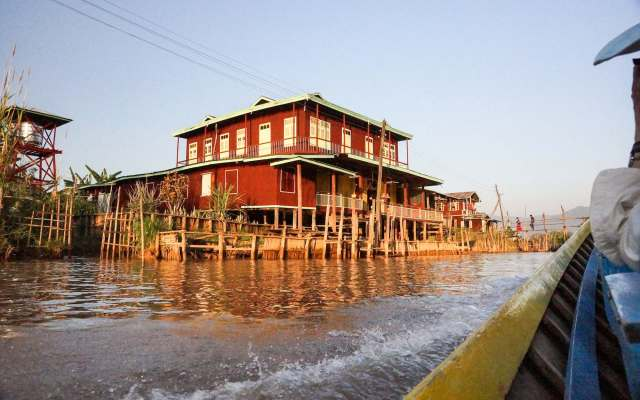Inle Lake building on the side of the canal near In Thein