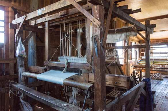 loom at rest at In Phaw Khone weavers' cottage