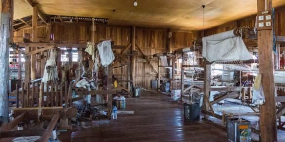 looms in Phaw Khone weavers' studio