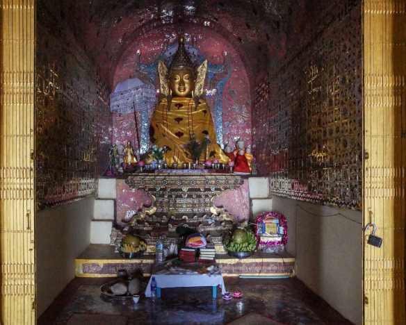 Nga Phe Kyaung Monastery - central shrine