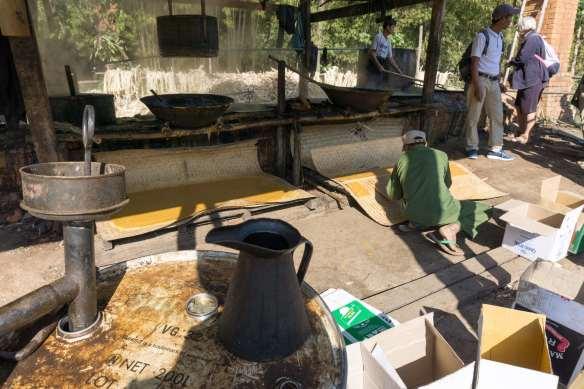 sugary treat production in Khaung Daing village
