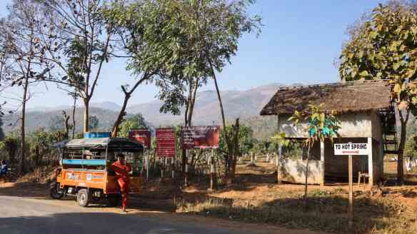 the road to the Khaung Daing and the hot springs