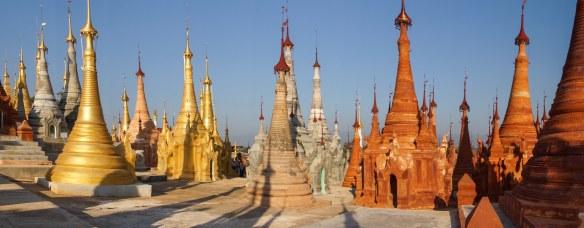 the zedis (stupas) of Inthein