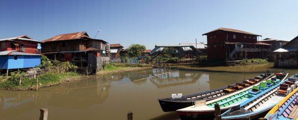 tourist boats at Phaw Khone weavers' building