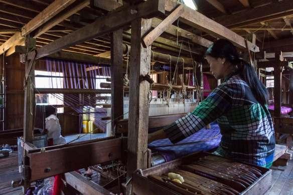 weaver at Phaw Khone working the loom