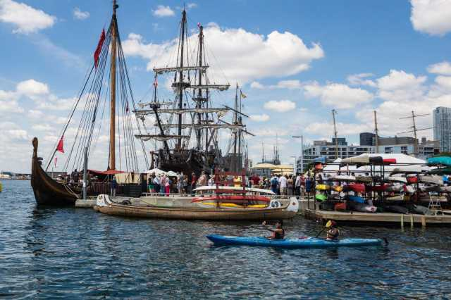 Tall Ships Toronto July 2016 - line up for the Viking longboat