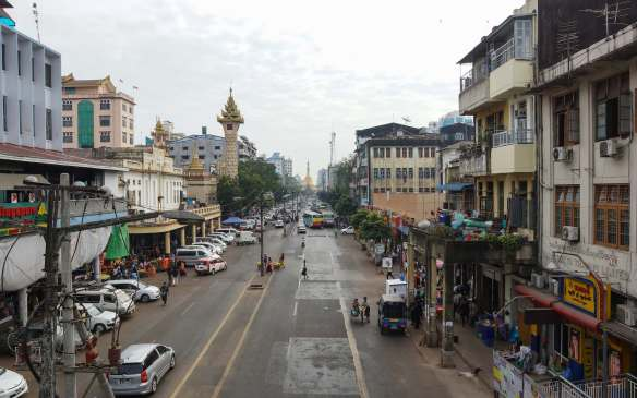approaching the Sule Paya on Mahabandoola Road