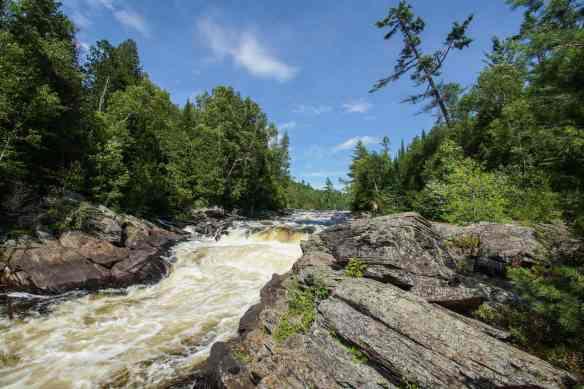 checking out Perly Falls (below Les Cascades du Batardeaux)