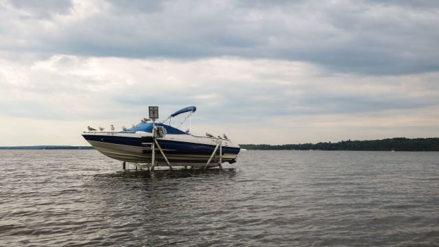 boat-mooring-some-distance-from-the-ottawa-river-shore
