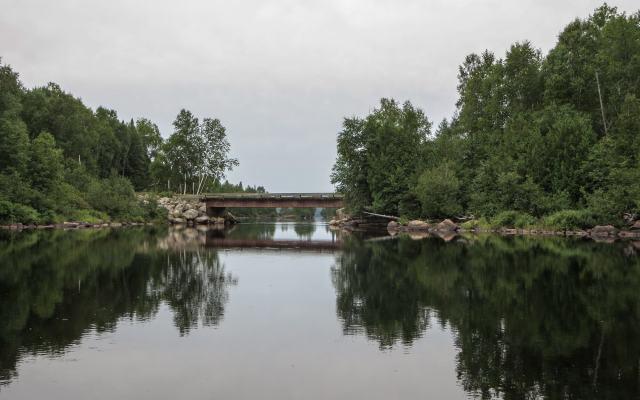 Cologne logging road bridge just before lac Pomponne