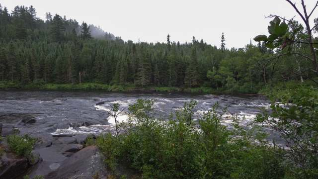 looking at the end stretch of W21 (Tall Pine Rapids) from the portage trail