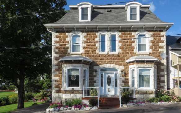 residence on Mill Street - Portage du Fort
