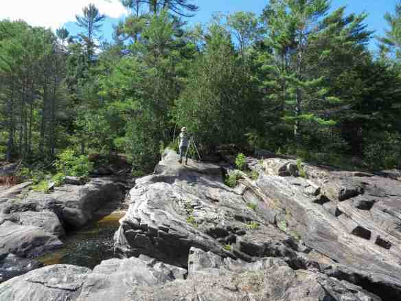 the bottom right shoreline of Chute A L'Ours -
