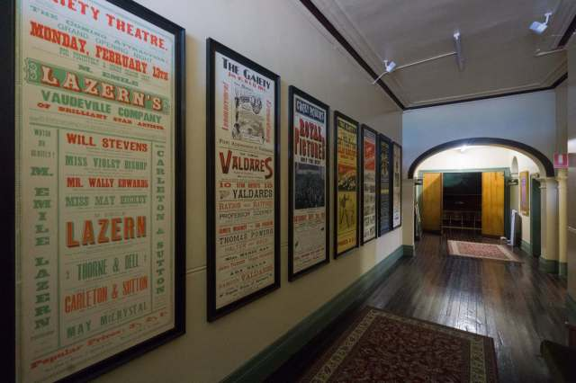 zeehan-gaiety-theatre-hallway-to-main-entrance