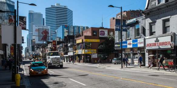 approaching Dundas from the north on Yonge Street