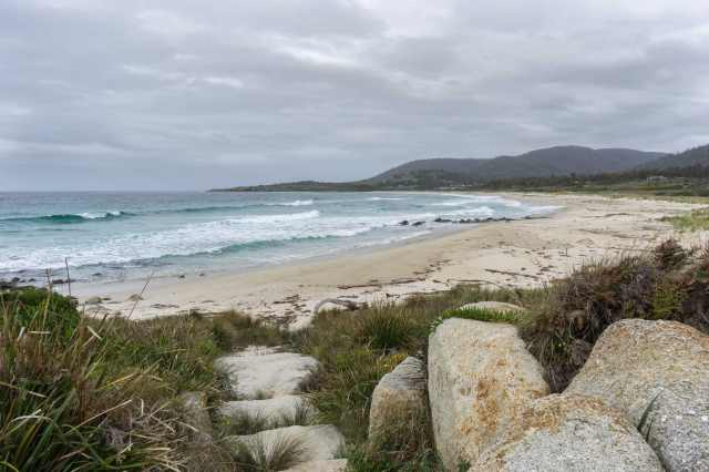 path to Tasmania east coast beach off A3