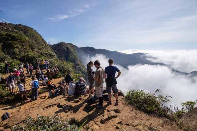 the loookout at World's End in Horton Plains Park
