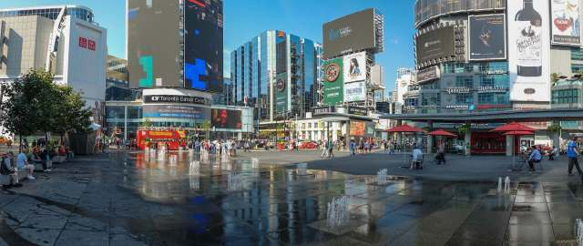 the-public-square-at-dundas-and-yonge