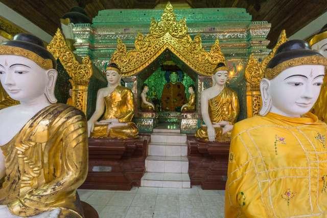 Shwedagon Buddha statues