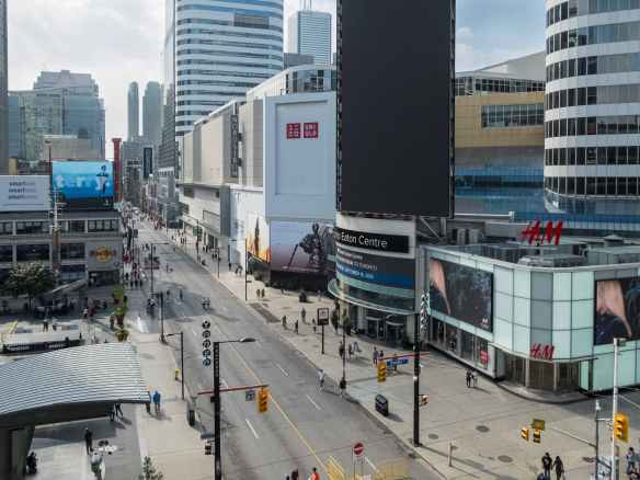 looking south on Yonge from the Milesonte Restaurant on the NE Corner