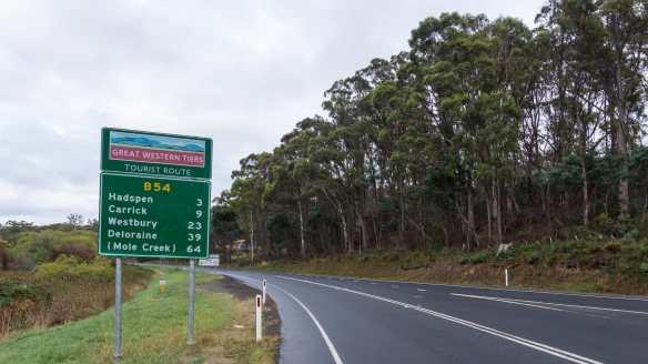 B54 route sign - Deloraine 39 km