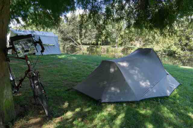 Deloraine Apex Caravan Park - my tent spot on the banks of the Meander River