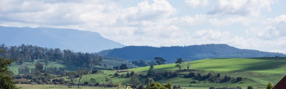 The Gog Range and Mount Roland in the afternoon haze from Deloraine.jpg