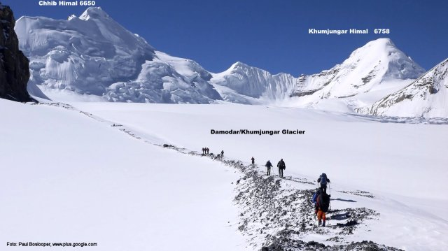 Looking South on Damodar Glacier - Chhib Himal on the left; Khumjungar on the right